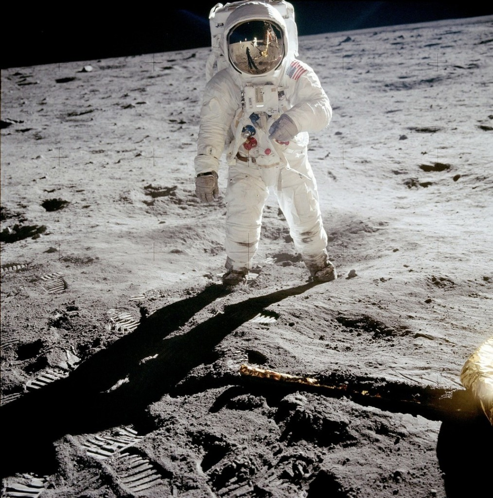 """Apollo 11 Astronaut Buzz Aldrin on the Moon"", by Neil Armstrong, 1969.<br />Первая фотография на Луне"