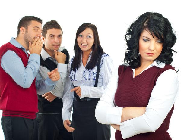 kolektiv-nespokojnost-nedostatok-uznania-nestandard2