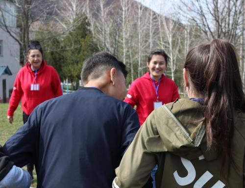 Травмы, страхи и преодоление: первый экспериментальный лидерский лагерь для ВИЧ-позитивных подростков в Казахстане